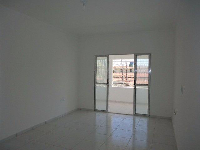 Casa reformada. 5 quartos, todo na cerâmica, 3 salas, piscina em Pau Amarelo - Foto 5