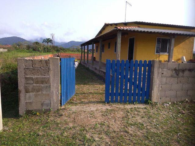 Aluga-se casa em ilha comprida