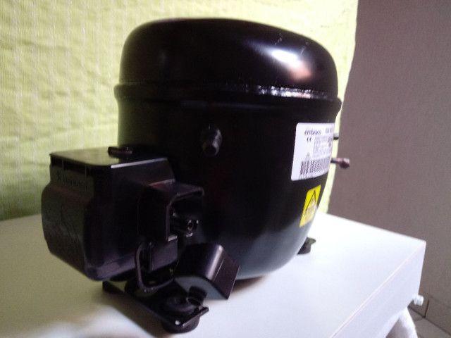 Vendo motor de geladeira novo na caixa - Foto 4