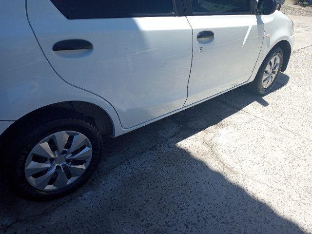 Toyota etios hatch - Foto 9