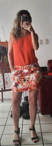 Vestido laranja. Roupa feminina. Bazar brechó desapego
