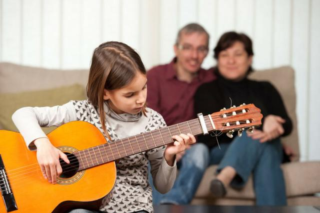 Aula de violão,guitarra,baixo,cavaco e Canto a domicilio