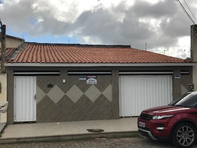 Casa no Tomba-Francisco Pinto