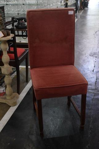 Cadeira em veludo rosado - Mercado das Pulgas