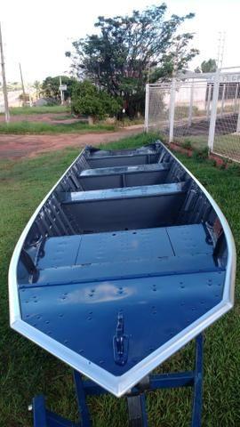 Barco de alumínio