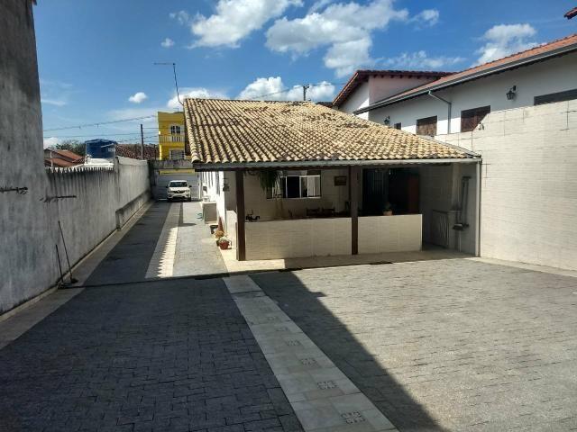 Casa para venda com edícula e quintal em Mogi das Cruzes