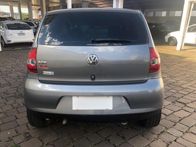 VW - Volkwagen - Fox 1.0 MI 8V Flex - Foto 7