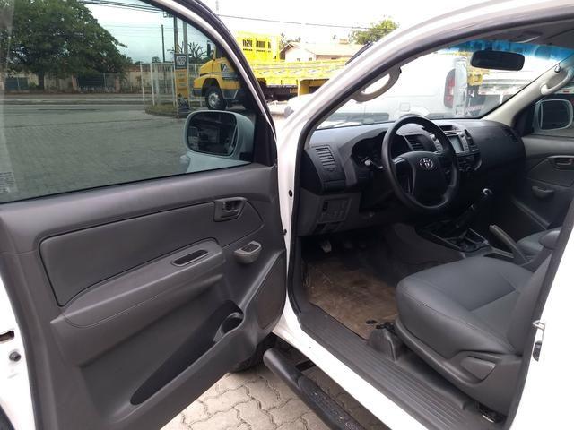 Toyota Hilux Sr 4x4 Mecanica 2014 - Foto 8