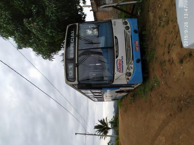 Ônibus 46 lugares