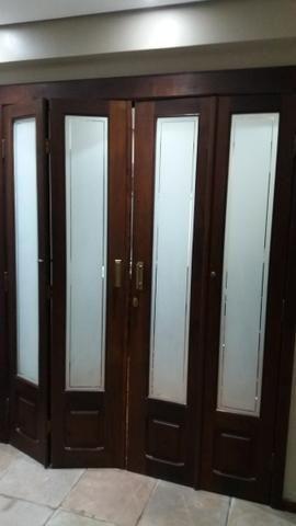 Porta Camarão Dupla em Imbuia com vidro jateado