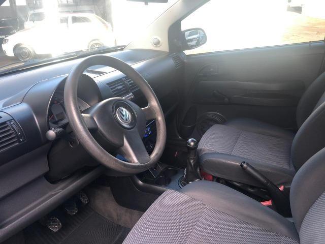 VW - Volkwagen - Fox 1.0 MI 8V Flex - Foto 11