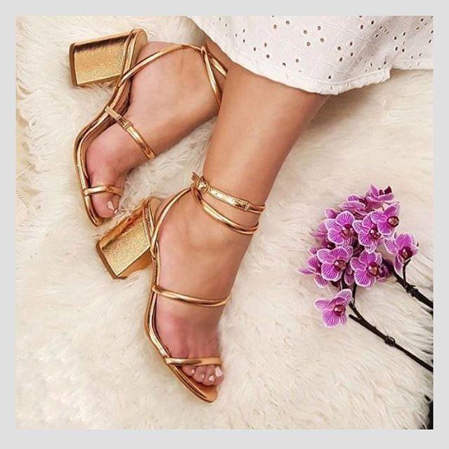 Calçados femininos novos (lote 42 pares ) * parcelo no cartão
