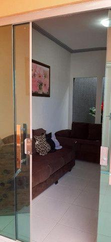 Vende-se Casa com 2 quartos (sendo uma Suite), 2 salas, de esquina - Foto 4