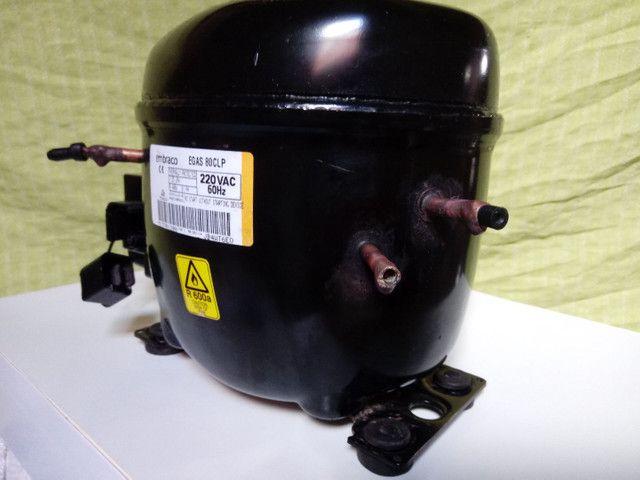 Vendo motor de geladeira novo na caixa - Foto 5