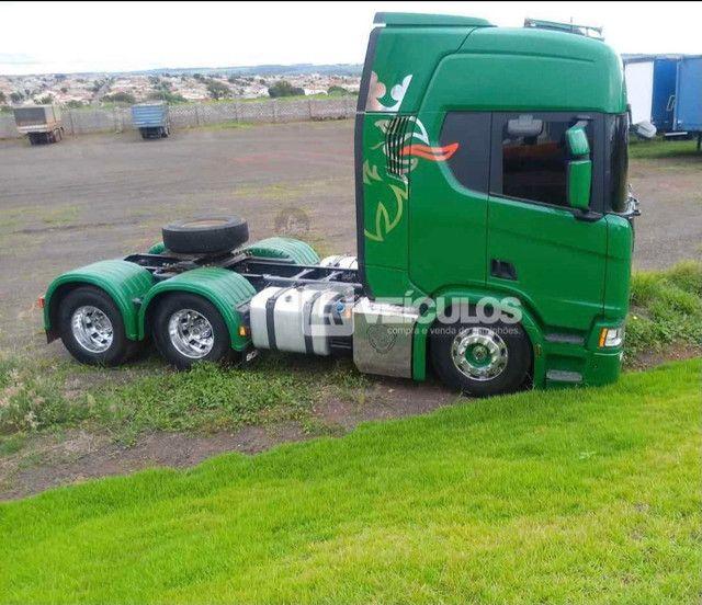 Scania R500 6x4 Suspensão a Molas - Foto 12