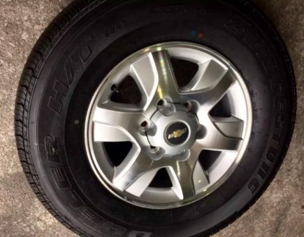 Gm - Chevrolet S10 S10 pneu e roda