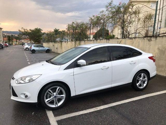 Focus Sedan SE Plus 2.0 Aut. Único dono! - Foto 2