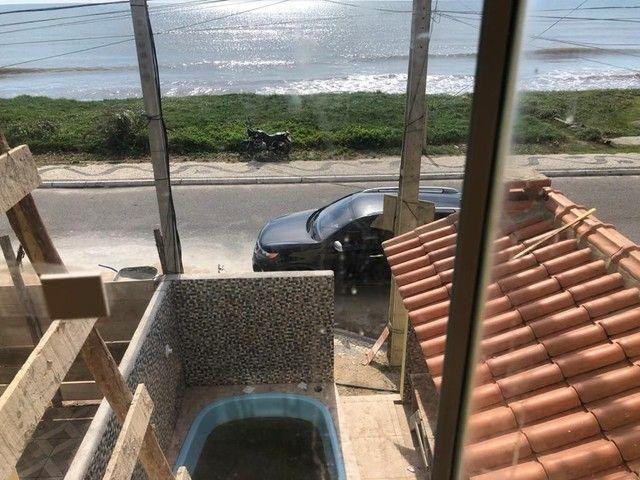 Casa de 2 quartos em frente a praia de Unamar Cabo Frio - fora de condomínio - Foto 3