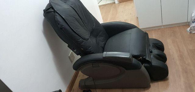 Cadeira de massagem Polishop em excelente estado- Funcionando todas as funções