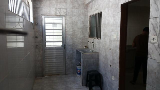 duas casas em casa caiada alugadas inquilino pontual 6qtos 2sts 6vgs há 5min do shopp - Foto 10