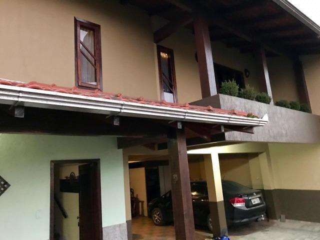Vendo Belíssima casa com ótima Localização! - Foto 2