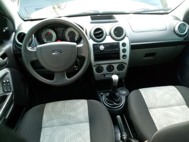 Fiesta Sedan Flex Completo Baixa KM Ideal UBER! Troco Financio - Foto 7
