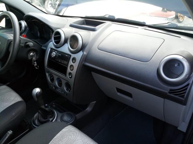 Fiesta Sedan Flex Completo Baixa KM Ideal UBER! Troco Financio - Foto 5