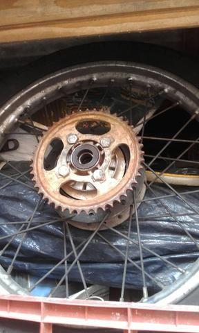 Roda com pneu ybr - Foto 3