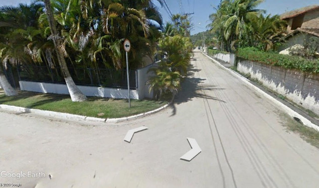 Praia das Cigarras Rua da Enseada, 46 Casa 3 ou 4 qtos A VIsta - Vazio