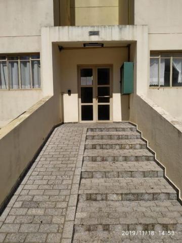 Apartamento com 3 dormitórios para alugar, 60 m² por R$ 600,00/mês - Residencial Macedo Te