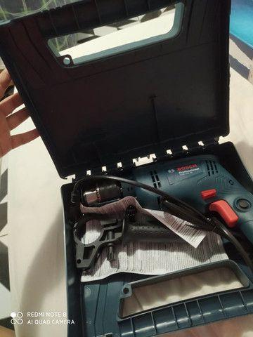 Furadeira de impacto Bosch Gsb Re 550w Com Maleta - Foto 3