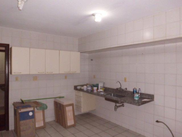 A103 - Apartamento com três suítes no centro nobre da cidade - Foto 4