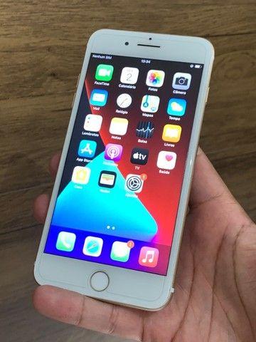 iPhone 7 Plus 32GB Dourado Gold - Até 12x no cartão! Semi novo, perfeito 32 GB - Foto 2