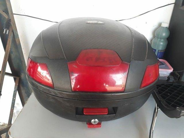 Baú Moto Taurus Com Refletor 35 Litros<br><br><br> - Foto 2