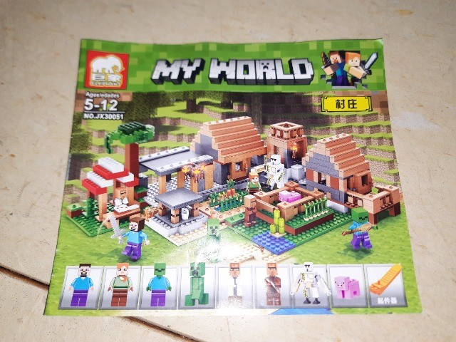 Lego - Blocos de Montar Vila Minecraft - 838 Peças