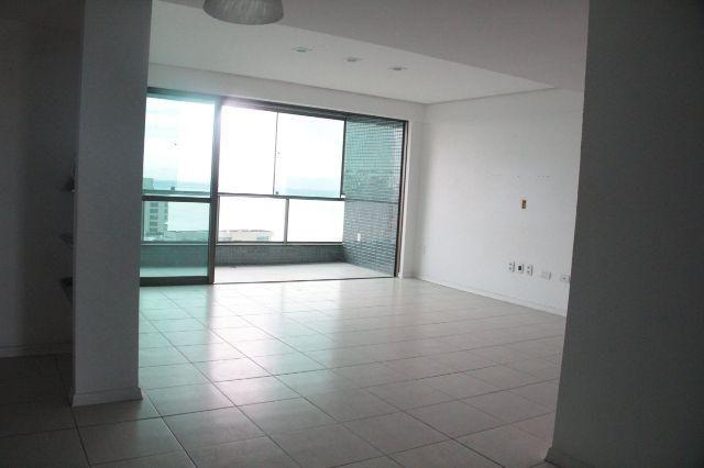 Edf Rio dos Navegantes andar alto , 3q sendo uma suite , terreno proprio
