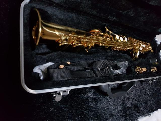 Saxofone reto Shelter