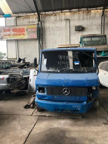 Sucata de Caminhão M. Benz 710 Plus 10/11(Somente p/ retirada de peças)