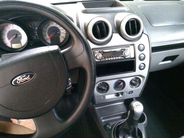 Fiesta Hatch 1.6 2010 - Foto 6