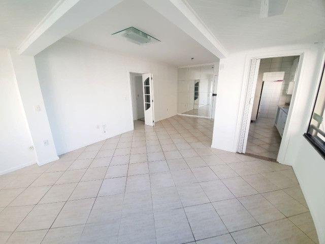E-Semi Mobiliado, moveis fixos na cozinha e dormitórios! Balneário Camboriú - Foto 4