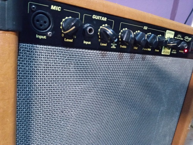 Amplificador de guitarra 40 W USA
