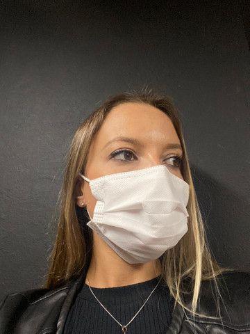 Máscara tripla com filtro (cirúrgica)