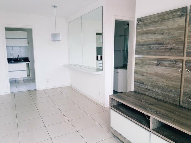 Apartamento 3/4 semi mobiliado em Itapuã