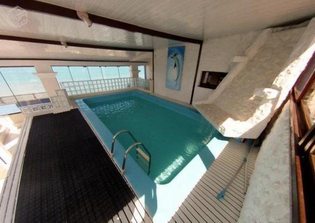 Cobertura Duplex frente para a praia com piscina - Meia Praia