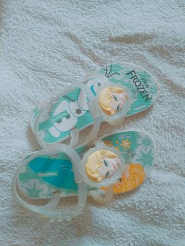 Sandália infantil Frozen (Semi nova) Tam.20/21