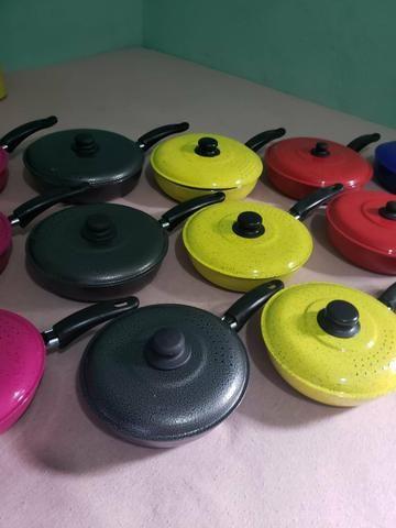 Jogos de frigideira várias cores diferente