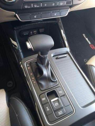 KIA SORENTO V6 AWD  - Foto 6