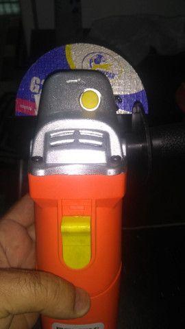 Esmerilhadeira angular 500W - Foto 3