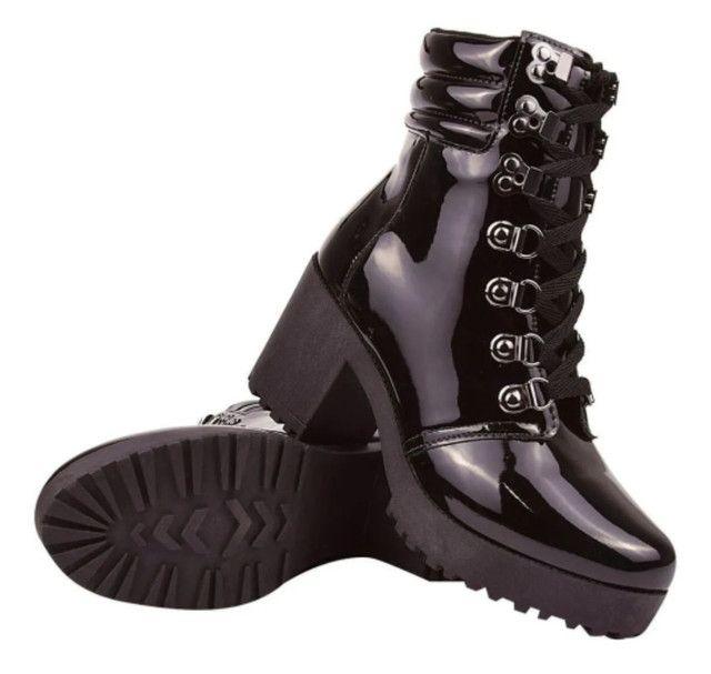 Coturno Feminina botas tratoradas - Foto 2