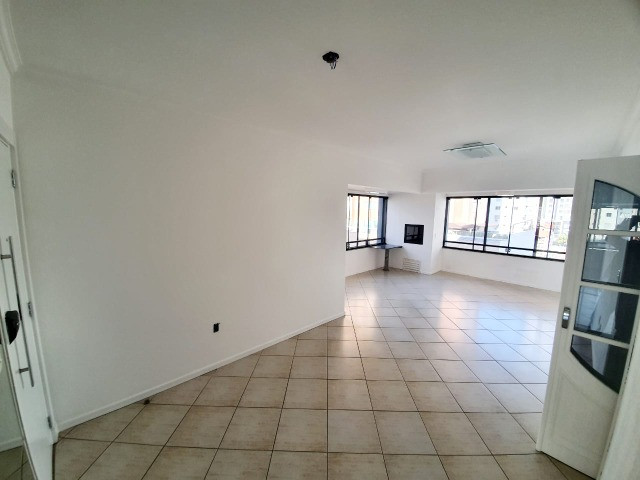 E-Semi Mobiliado, moveis fixos na cozinha e dormitórios! Balneário Camboriú - Foto 2